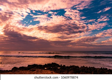 Beautiful sunset at Alii Beach Park in Haleiwa town at the Northshore of Oahu Island, Hawaii USA