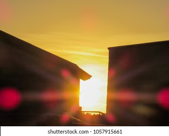 Beautiful Sunset between two houses with fler