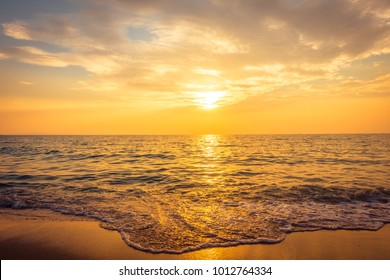 Beautiful sunset on the beach and sea - Vintage Filter