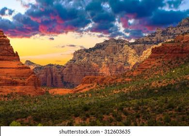 Beautiful Sunset Scenery of Sedona, Arizona