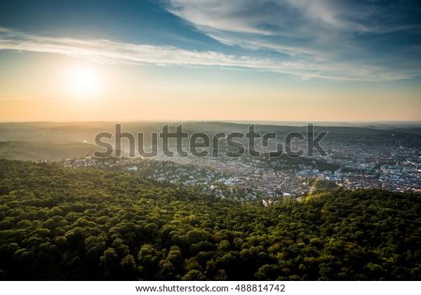 Schöner Sonnenuntergang in Stuttgart City, Deutschland