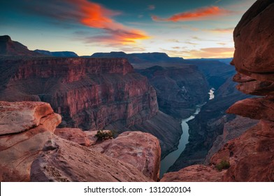Beautiful sunset at Toroweap Point, Grand canyon