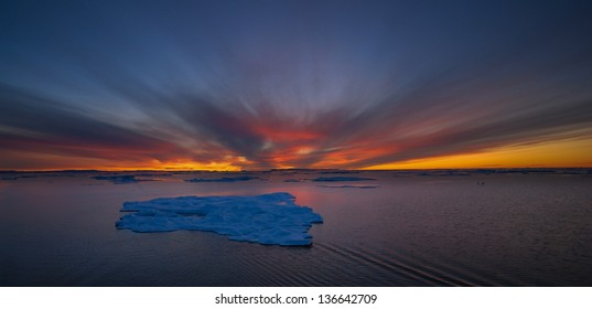Beautiful sunset/sunrise with icebergs, Greenland