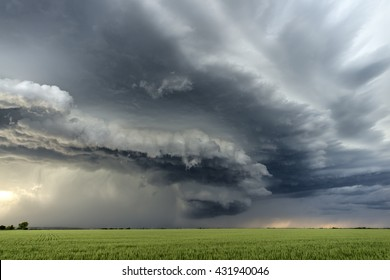 Beautiful supercell in the Great Plains