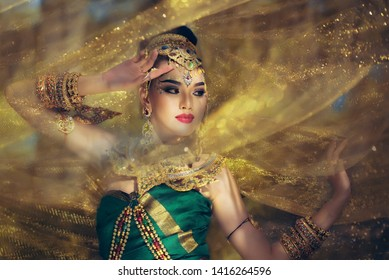 Beautiful Thai girl in traditional dress custume,Khonkean Thailand,30 November 2018.