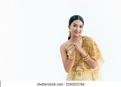 https://image.shutterstock.com/image-photo/beautiful-thai-women-wearing-traditional-260nw-1550251766.jpg