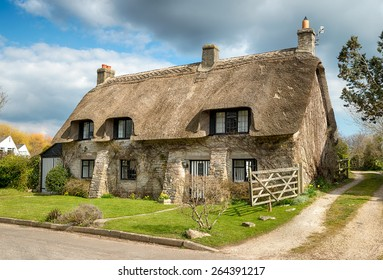 Beautiful thatched cottage at Corfe castle village on the Purbeck Hills in Dorset