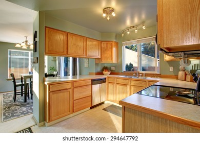 Beautiful traditional kitchen with hardwood floor in luxury home.