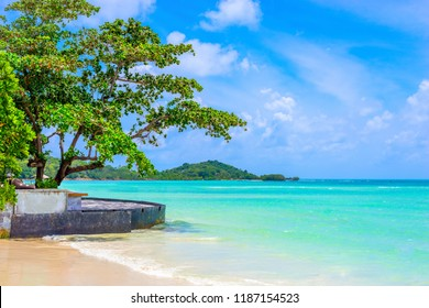 Beautiful tropical beach and turquoise sea water calming at chaweng beach the famous of Koh Samui Thailand,