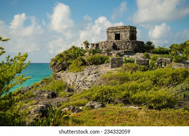 The beautiful Tulum ruins in Mexico