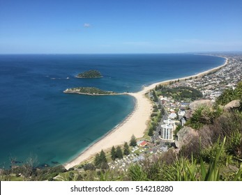 Beautiful turquoise crystal clear Main Beach and Mount Maunganui