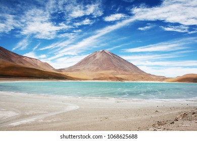 beautiful turquoise waters of Laguna Blanca, a salt lake in an endorheic basin, in the Sur Lípez Province of the Potosí Department, Bolivia