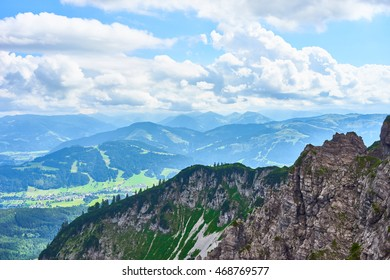 beautiful valleys in the mountains of Austria / Amazing view off the Wilder Kaiser / Hiking area in Europe