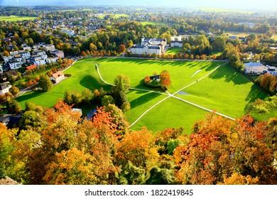 オーストリアのザルツブルグの秋の色の美しい景色