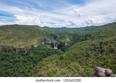 Beautiful view of Chapada dos Veadeiros (Deers Tableland), from Mirante do Abismo (Abyss Belvedere) - Goiás, Brazil