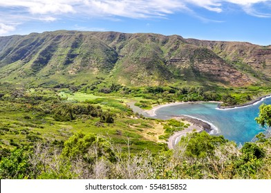 Beautiful view of Halawa Beach Park and the Halawa Valley on the remote island of Molokai (Moloka'i), Hawaii, USA.Two beaches, Kamaalaea and Kawili, are located in the bay. Popular tourist attraction.