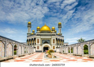 Beautiful View of Jame Asr Hassanil Bolkiah Mosque with Courtyard in Front - Bandar Seri Begawan, Brunei, Southeast Asia
