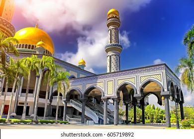 The Beautiful View of Jame Asr Hassanil Bolkiah Mosque and blue sky at sunset. Brunei, Asia