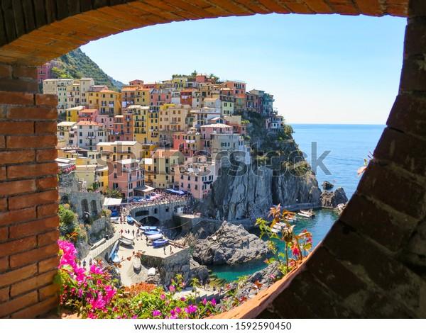 beautiful-view-manarolas-colorful-villag