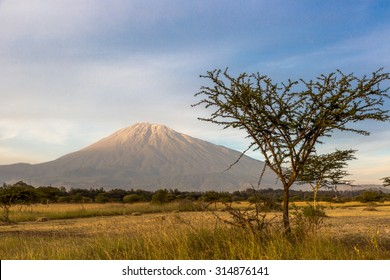 Beautiful view of the Meru mountain in Arusha, northern Tanzania, Africa