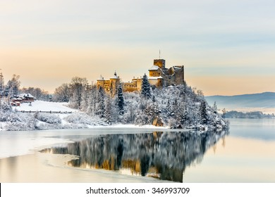 Beautiful view of Niedzica Castle, Poland
