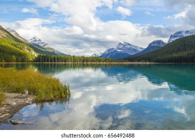 beautiful view on mountains in canada, background, Reflection in the lake
