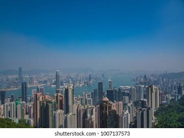Beautiful view of the skyline of Hongkong in de smog