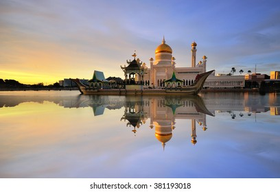 Beautiful View of Sultan Omar Ali Saifudding Mosque, Bandar Seri Begawan, Brunei, Southeast Asia with reflection