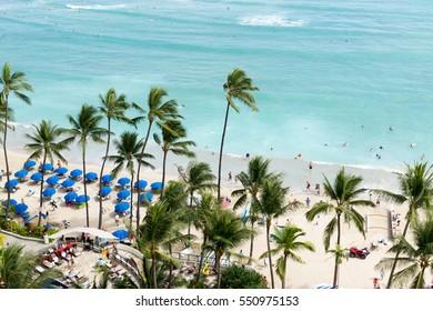 Beautiful view of the Waikiki beach - Honolulu, Hawaii