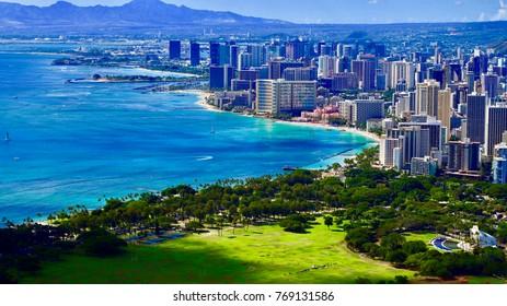 Beautiful view of Waikiki beach in Honolulu (Oahu, Hawaii) from Diamond Head, September 2017