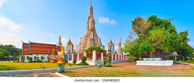 Beautiful view of War Arun a Buddhist temple in Bangkok Yai district of Bangkok, Thailand. Panorama