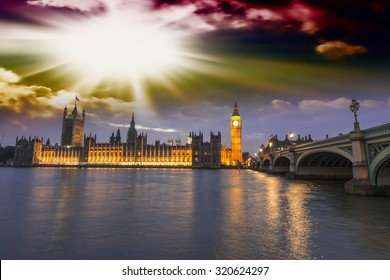Beautiful view of Westminster by night.