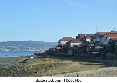 Beautiful Views Of The Horreos And Houses With The Low Tide In Combarrro. Nature, Architecture, History, Street Photography. August 19, 2014. Combarro, Pontevedra, Galicia, Spain.