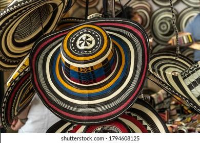 Hermosas vueltiaos sombreros, artesanías de Colombia