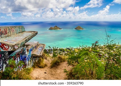 The beautiful waters of the Pacific Ocean and the Moku-lua Islands on the Lanikai Pillbox Hike in Oahu, Hawaii