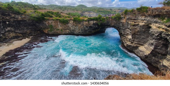 Beautiful wave action at the Broken Beach on Nusa Penida ISland, Bali Indonesia. Sea Arch