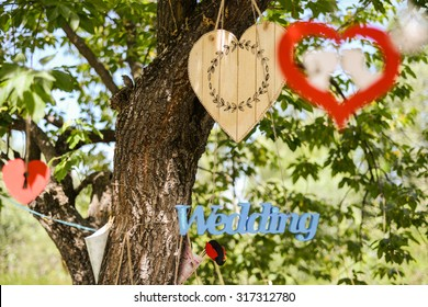 the beautiful wedding decorations on the tree