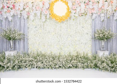 Beautiful wedding flower backdrop For taking pictures.Beautiful wedding flower backdrop For taking pictures.