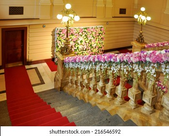 beautiful wedding flower decoration in palace