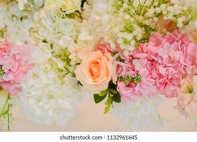 Beautiful white roses for wedding