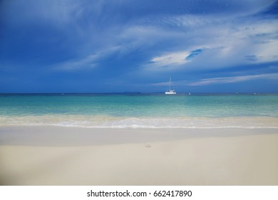 Beautiful white sand beach and blue sea in Thaland