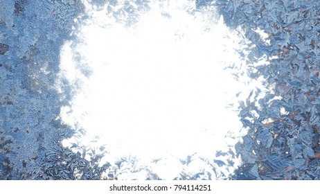 Beautiful window freezing from borders to center, timelapse frost forming transition, natural crystal icing, isolated on green chroma key background matte, .