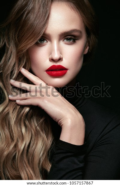 beautiful-woman-beauty-makeup-on-600w-10