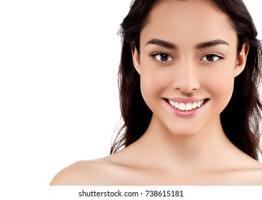 Beautiful woman face close up portrait with healthy skin and beauty concept brunette
