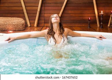 Beautiful woman relaxing in a beauty farm
