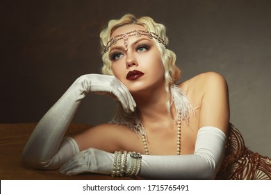 beautiful woman retro flapper style woman  retro vintage roaring 20s