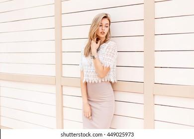 Imágenes Fotos De Stock Y Vectores Sobre Beige Lace Dress
