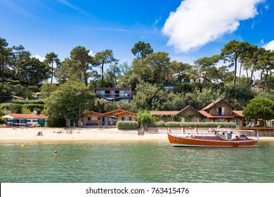 beautiful wood house in the basin of Arcachon next to cap ferret