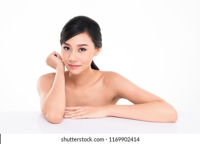 Beautiful Young asia Woman with Clean Fresh Skin look. Girl beauty face care. Facial treatment. Cosmetology, beauty and spa.