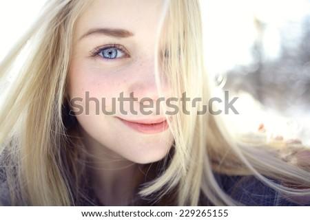 Blonde teen o